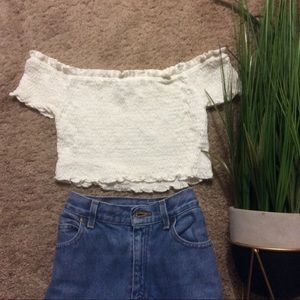 🍂 Versatile white ribbed crop top off shoulder